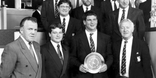 Ken O' Connell receiving the Jury's Hotel Sportsman of the month 1994/95